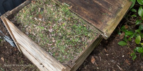 How to Choose a Composting Container