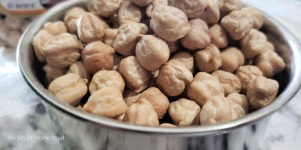 1 cup of dried chickpeas ready for the crockpot